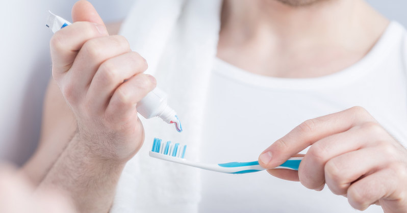Concerns Over Weird New Toothpaste Ingredient - Plastic Microbeads - And How To Tell If Your Toothpaste Contains Them